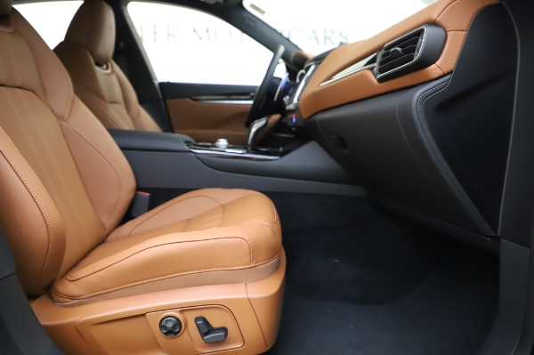 New 2020 Maserati Levante Q4 GranSport for sale $86,685 at Rolls-Royce Motor Cars Greenwich in Greenwich CT 06830 23