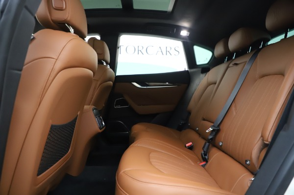 New 2020 Maserati Levante Q4 GranLusso for sale $87,449 at Rolls-Royce Motor Cars Greenwich in Greenwich CT 06830 20