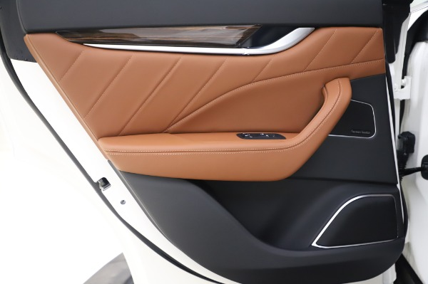 New 2020 Maserati Levante Q4 GranLusso for sale $87,449 at Rolls-Royce Motor Cars Greenwich in Greenwich CT 06830 22