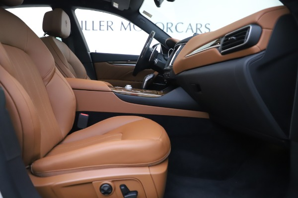 New 2020 Maserati Levante Q4 GranLusso for sale $87,449 at Rolls-Royce Motor Cars Greenwich in Greenwich CT 06830 24