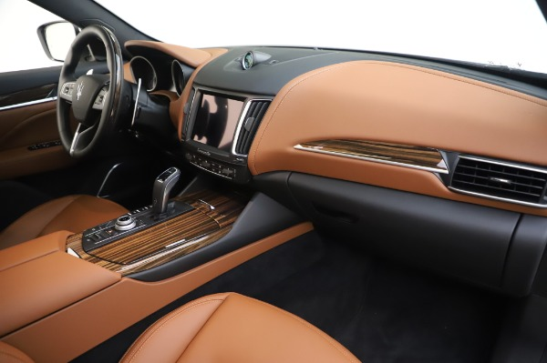 New 2020 Maserati Levante Q4 GranLusso for sale $87,449 at Rolls-Royce Motor Cars Greenwich in Greenwich CT 06830 25