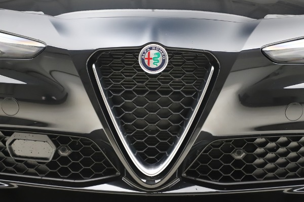 New 2020 Alfa Romeo Giulia Ti Lusso Q4 for sale $46,195 at Rolls-Royce Motor Cars Greenwich in Greenwich CT 06830 13