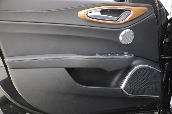 New 2020 Alfa Romeo Giulia Ti Lusso Q4 for sale $51,195 at Rolls-Royce Motor Cars Greenwich in Greenwich CT 06830 18