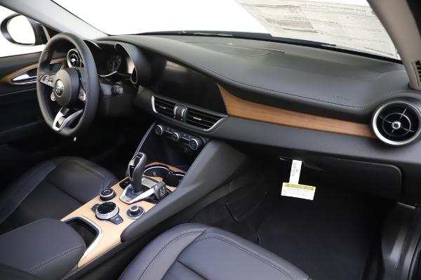 New 2020 Alfa Romeo Giulia Ti Lusso Q4 for sale $51,195 at Rolls-Royce Motor Cars Greenwich in Greenwich CT 06830 27