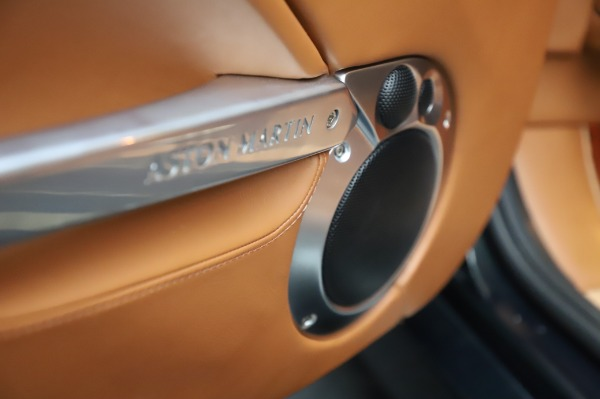 Used 2003 Aston Martin V12 Vanquish Coupe for sale $79,900 at Rolls-Royce Motor Cars Greenwich in Greenwich CT 06830 18