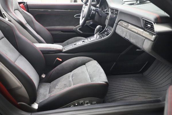 Used 2018 Porsche 911 Carrera 4 GTS for sale $137,900 at Rolls-Royce Motor Cars Greenwich in Greenwich CT 06830 20