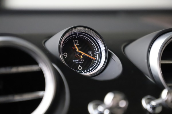 Used 2018 Bentley Bentayga Onyx Edition for sale $159,900 at Rolls-Royce Motor Cars Greenwich in Greenwich CT 06830 22
