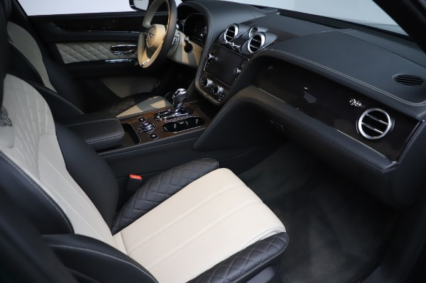 Used 2020 Bentley Bentayga V8 for sale $189,900 at Rolls-Royce Motor Cars Greenwich in Greenwich CT 06830 27