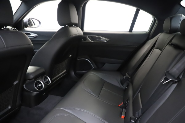 New 2020 Alfa Romeo Giulia Sport Q4 for sale Sold at Rolls-Royce Motor Cars Greenwich in Greenwich CT 06830 18