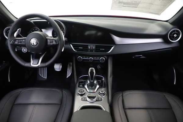 New 2020 Alfa Romeo Giulia Sport Q4 for sale Sold at Rolls-Royce Motor Cars Greenwich in Greenwich CT 06830 19