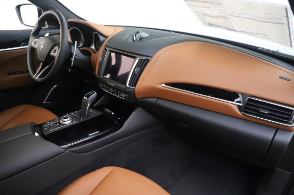 New 2020 Maserati Levante Q4 for sale $84,499 at Rolls-Royce Motor Cars Greenwich in Greenwich CT 06830 24