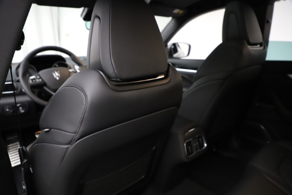 New 2020 Maserati Levante Q4 GranSport for sale Sold at Rolls-Royce Motor Cars Greenwich in Greenwich CT 06830 19