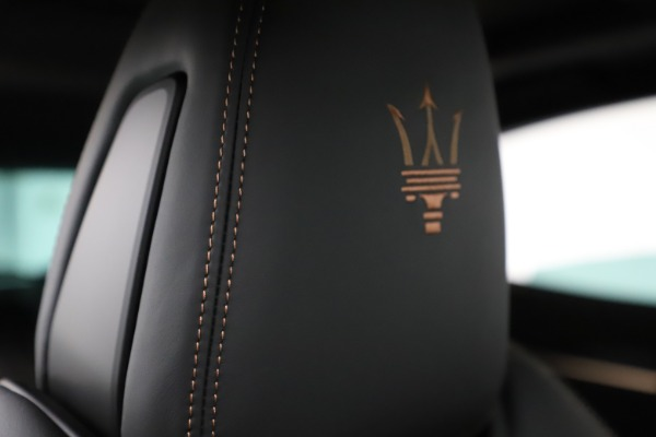 New 2020 Maserati Levante Q4 GranSport for sale Sold at Rolls-Royce Motor Cars Greenwich in Greenwich CT 06830 28