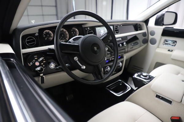 Used 2014 Rolls-Royce Phantom for sale $219,900 at Rolls-Royce Motor Cars Greenwich in Greenwich CT 06830 18