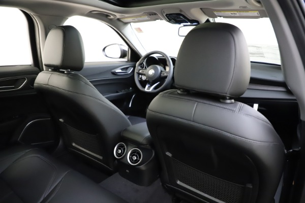 New 2020 Alfa Romeo Giulia Ti Q4 for sale $43,545 at Rolls-Royce Motor Cars Greenwich in Greenwich CT 06830 26