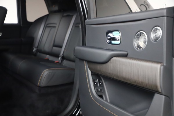 New 2021 Rolls-Royce Cullinan for sale $372,725 at Rolls-Royce Motor Cars Greenwich in Greenwich CT 06830 22