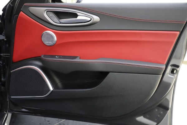 New 2020 Alfa Romeo Giulia Ti Sport Q4 for sale $48,595 at Rolls-Royce Motor Cars Greenwich in Greenwich CT 06830 25