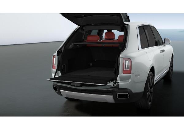 New 2021 Rolls-Royce Cullinan Base for sale $376,925 at Rolls-Royce Motor Cars Greenwich in Greenwich CT 06830 4