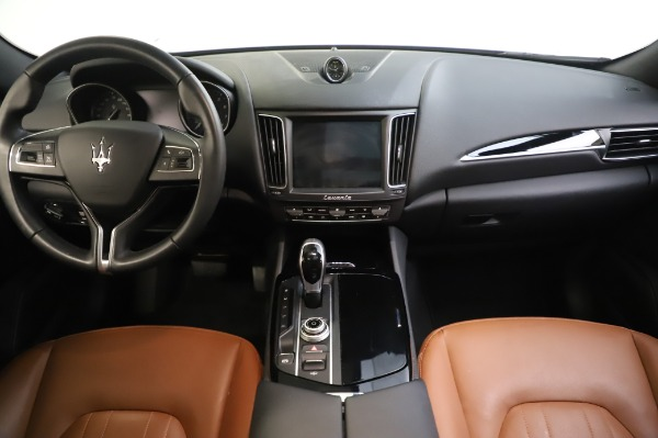 Used 2017 Maserati Levante Q4 for sale $51,900 at Rolls-Royce Motor Cars Greenwich in Greenwich CT 06830 27