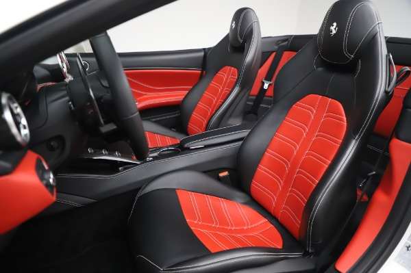 Used 2015 Ferrari California T for sale $159,900 at Rolls-Royce Motor Cars Greenwich in Greenwich CT 06830 17