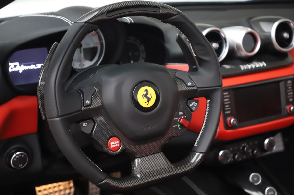 Used 2015 Ferrari California T for sale $159,900 at Rolls-Royce Motor Cars Greenwich in Greenwich CT 06830 19
