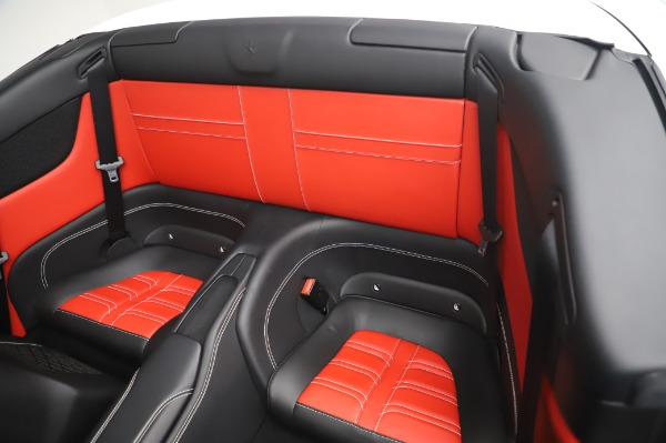 Used 2015 Ferrari California T for sale $159,900 at Rolls-Royce Motor Cars Greenwich in Greenwich CT 06830 20