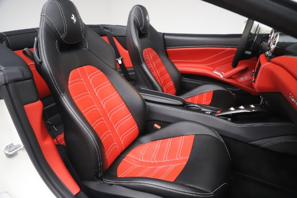 Used 2015 Ferrari California T for sale $159,900 at Rolls-Royce Motor Cars Greenwich in Greenwich CT 06830 23