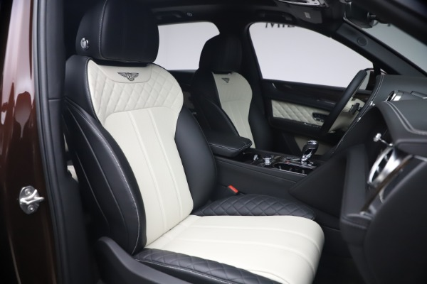 Used 2020 Bentley Bentayga V8 for sale $186,900 at Rolls-Royce Motor Cars Greenwich in Greenwich CT 06830 27