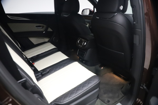 Used 2020 Bentley Bentayga V8 for sale $186,900 at Rolls-Royce Motor Cars Greenwich in Greenwich CT 06830 28