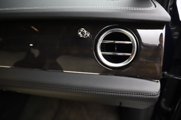 Used 2020 Bentley Bentayga V8 for sale Call for price at Rolls-Royce Motor Cars Greenwich in Greenwich CT 06830 27
