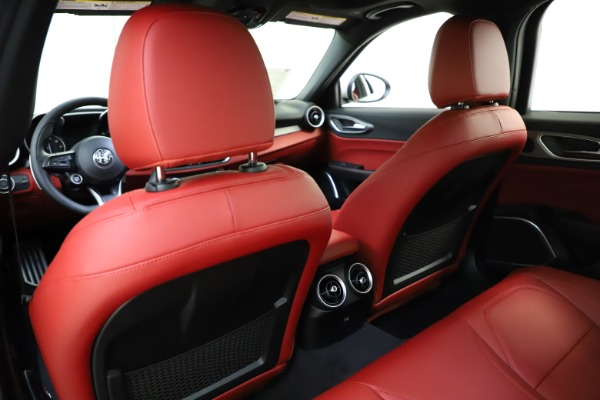 New 2020 Alfa Romeo Giulia Sport Q4 for sale Sold at Rolls-Royce Motor Cars Greenwich in Greenwich CT 06830 20