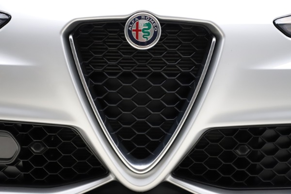 New 2020 Alfa Romeo Giulia Sport Q4 for sale Sold at Rolls-Royce Motor Cars Greenwich in Greenwich CT 06830 27