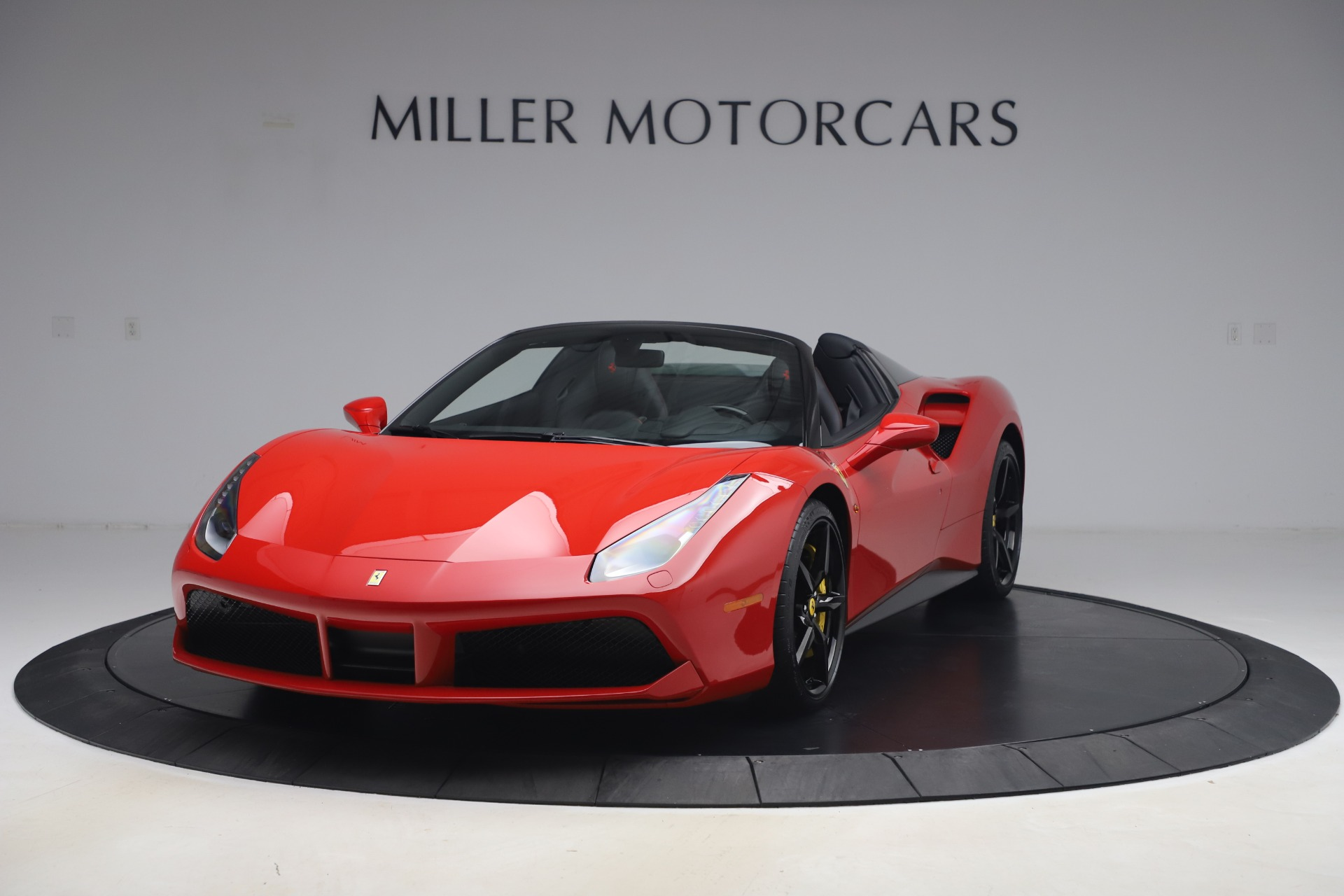 Used 2018 Ferrari 488 Spider for sale $286,900 at Rolls-Royce Motor Cars Greenwich in Greenwich CT 06830 1