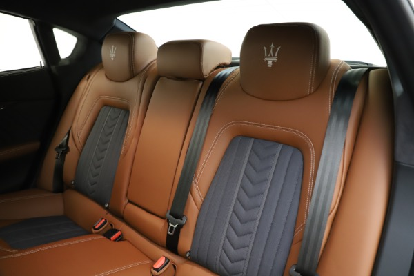 Used 2017 Maserati Quattroporte S Q4 GranLusso for sale $59,900 at Rolls-Royce Motor Cars Greenwich in Greenwich CT 06830 18