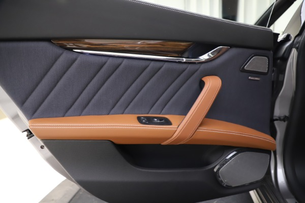 Used 2017 Maserati Quattroporte S Q4 GranLusso for sale $59,900 at Rolls-Royce Motor Cars Greenwich in Greenwich CT 06830 21