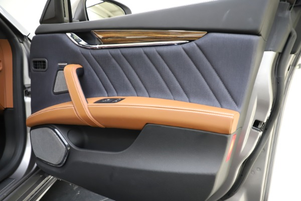 Used 2017 Maserati Quattroporte S Q4 GranLusso for sale $59,900 at Rolls-Royce Motor Cars Greenwich in Greenwich CT 06830 25