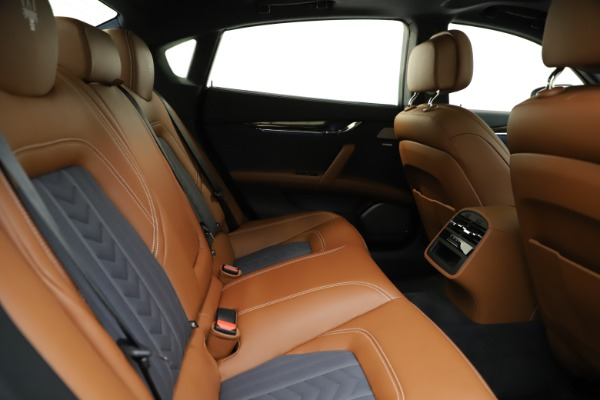 Used 2017 Maserati Quattroporte S Q4 GranLusso for sale $59,900 at Rolls-Royce Motor Cars Greenwich in Greenwich CT 06830 27