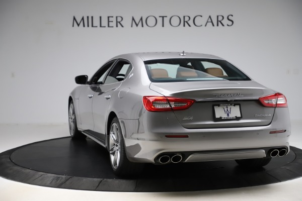 Used 2017 Maserati Quattroporte S Q4 GranLusso for sale $59,900 at Rolls-Royce Motor Cars Greenwich in Greenwich CT 06830 5