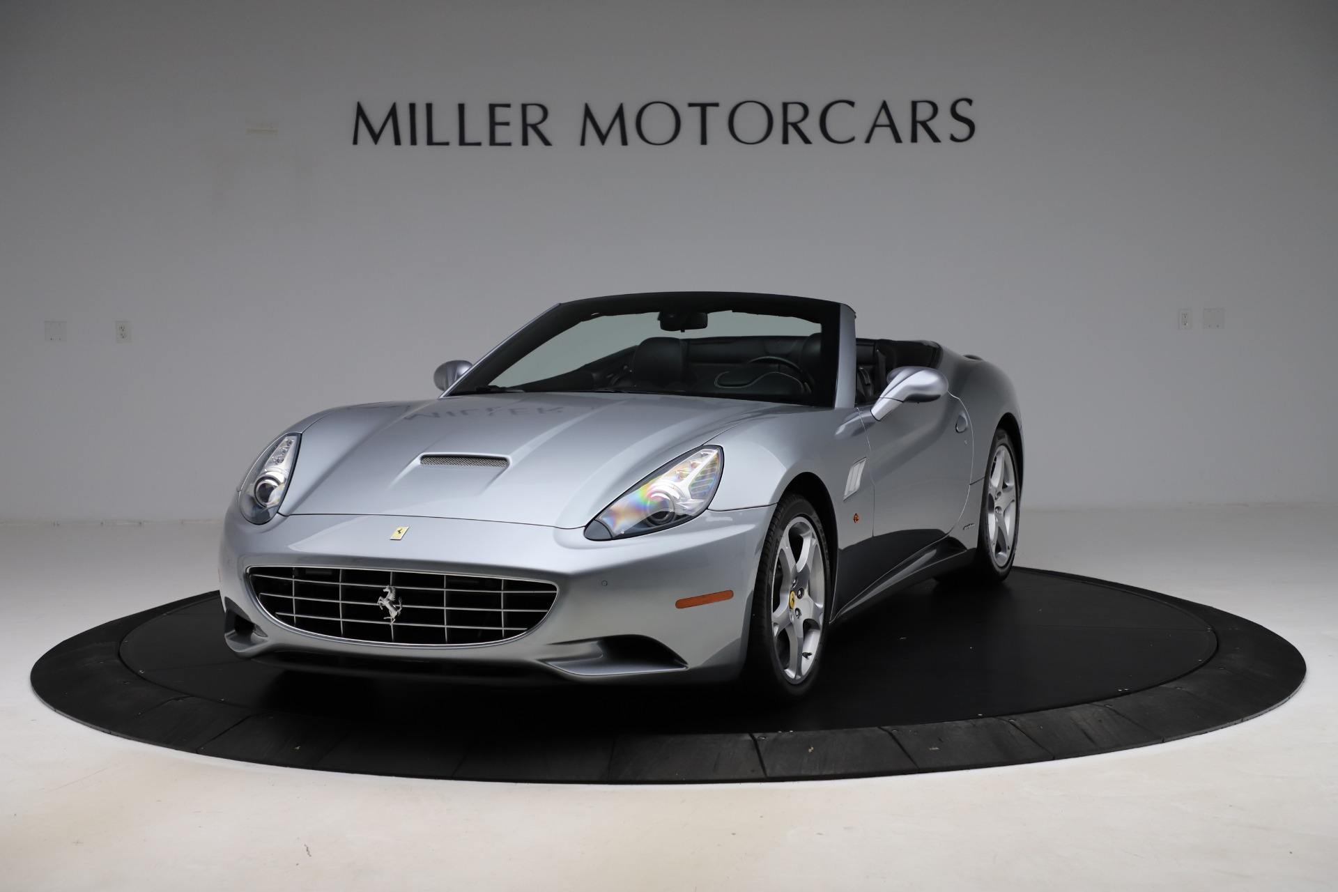 Used 2013 Ferrari California 30 for sale $103,900 at Rolls-Royce Motor Cars Greenwich in Greenwich CT 06830 1