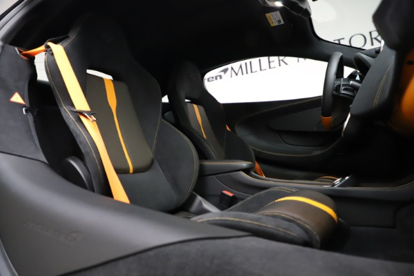 Used 2019 McLaren 570S for sale $177,900 at Rolls-Royce Motor Cars Greenwich in Greenwich CT 06830 21
