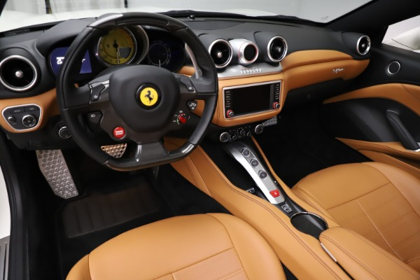 Used 2018 Ferrari California T for sale $169,900 at Rolls-Royce Motor Cars Greenwich in Greenwich CT 06830 17
