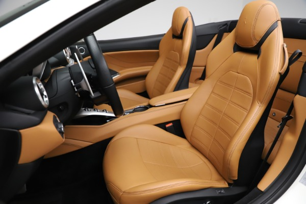 Used 2018 Ferrari California T for sale $169,900 at Rolls-Royce Motor Cars Greenwich in Greenwich CT 06830 19