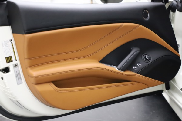 Used 2018 Ferrari California T for sale $169,900 at Rolls-Royce Motor Cars Greenwich in Greenwich CT 06830 28