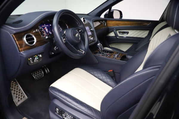 Used 2018 Bentley Bentayga W12 Signature Edition for sale $149,900 at Rolls-Royce Motor Cars Greenwich in Greenwich CT 06830 17