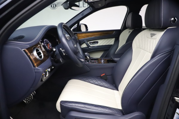 Used 2018 Bentley Bentayga W12 Signature Edition for sale $149,900 at Rolls-Royce Motor Cars Greenwich in Greenwich CT 06830 18