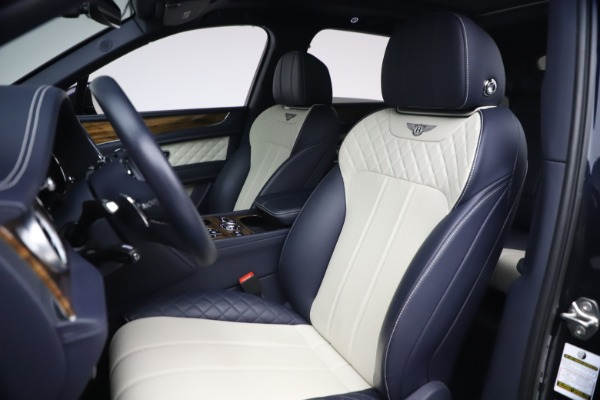 Used 2018 Bentley Bentayga W12 Signature Edition for sale $149,900 at Rolls-Royce Motor Cars Greenwich in Greenwich CT 06830 19