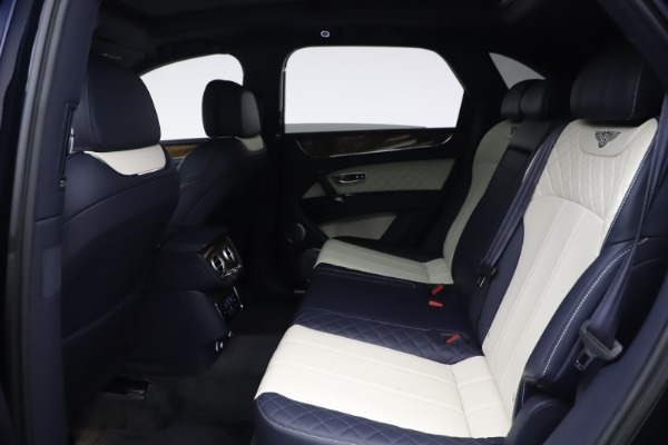 Used 2018 Bentley Bentayga W12 Signature Edition for sale $149,900 at Rolls-Royce Motor Cars Greenwich in Greenwich CT 06830 21