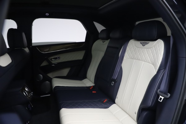 Used 2018 Bentley Bentayga W12 Signature Edition for sale $149,900 at Rolls-Royce Motor Cars Greenwich in Greenwich CT 06830 22