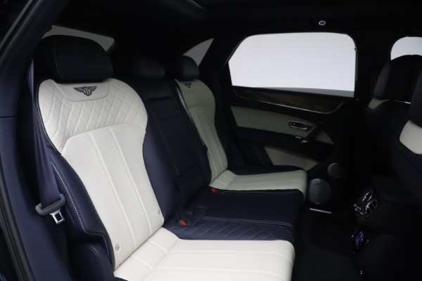 Used 2018 Bentley Bentayga W12 Signature Edition for sale $149,900 at Rolls-Royce Motor Cars Greenwich in Greenwich CT 06830 28
