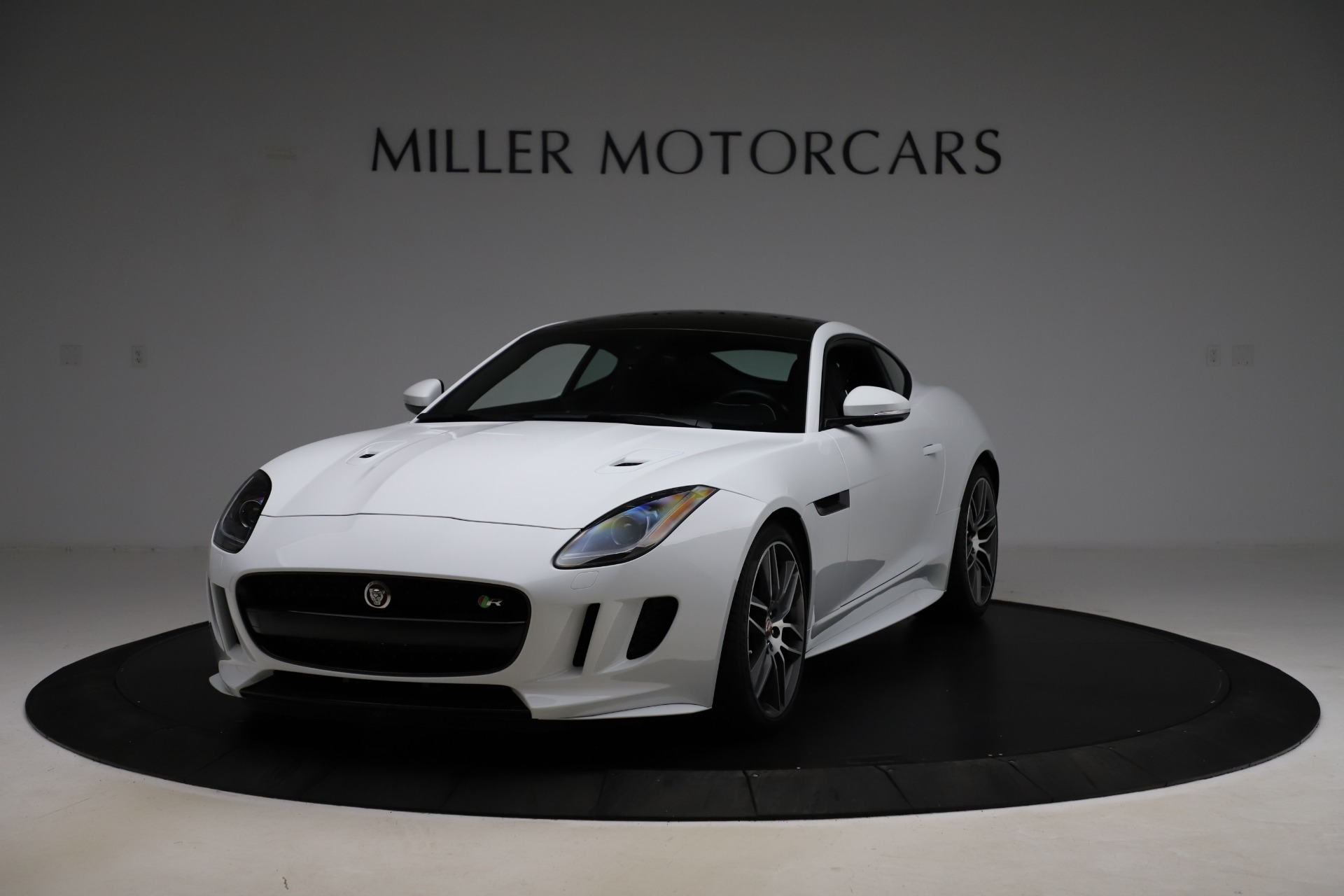 Used 2016 Jaguar F-TYPE R for sale $58,900 at Rolls-Royce Motor Cars Greenwich in Greenwich CT 06830 1